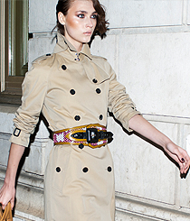 <p>Trench-coat , <strong>BURBERRY</strong></p>