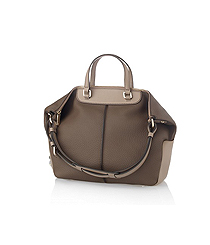 <p>Mala Tote média <strong>TOD's.</strong></p>